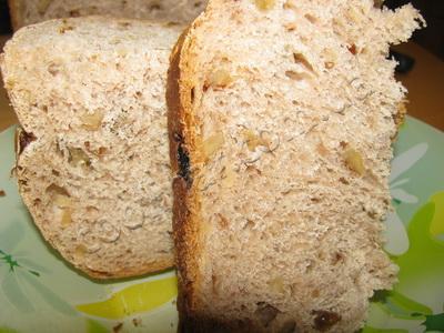Ароматный десертный хлеб с изюмом и корицей